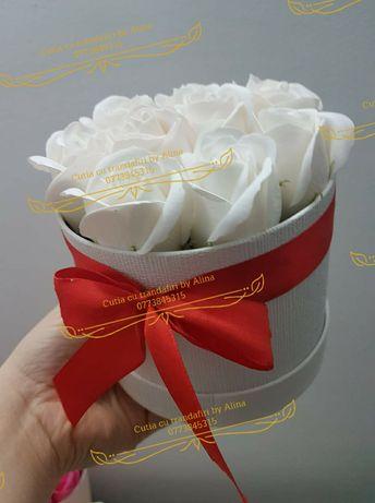 Aranjamente florale cu flori (trandafiri) din sapun. Cadoul perfect.