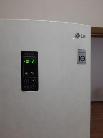 LG холодильник продам 2017г.