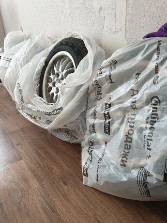 Титановые диски с шинами, на мазду