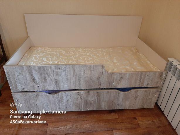 Продам 2 ярусную кровать для двоих