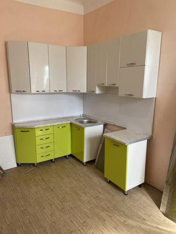 Продам Кухню новая размер 2м на 1.64