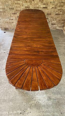 Masă de lemn