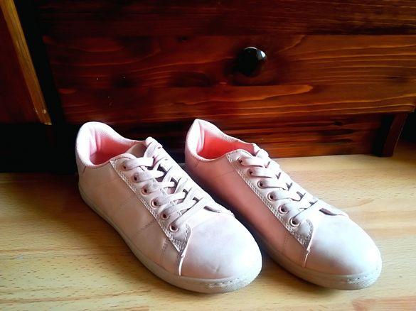 Розови кецове