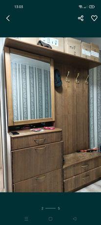 Срочно продам шкаф в прихожую комнату за 10000тенге