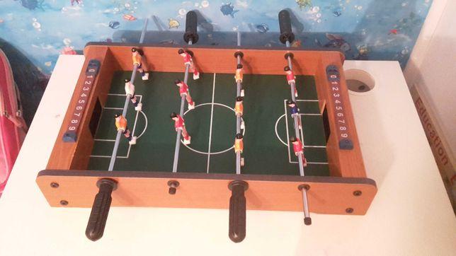 Joc de fotbal cu 12 jucatori