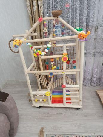 Игровой стенд для средних и крупных попугаев
