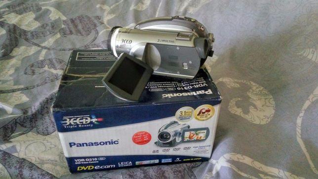 Продаю видеокамеру Panasonic VDR-D310 в отл. сост.
