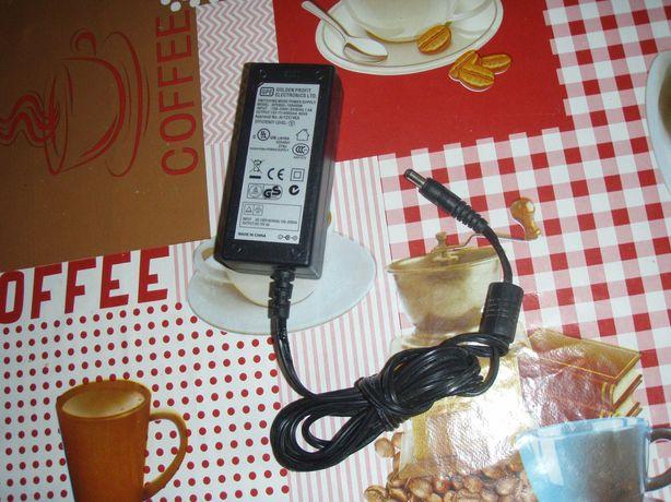 Alimentator 15V 4A, mufa rotunda cu gaura