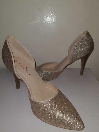 Брокатени обувки на токчета