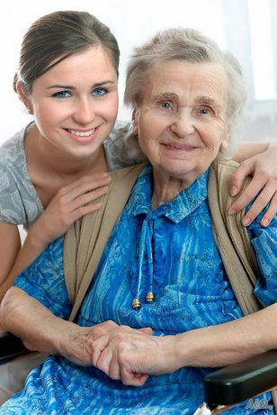 Болногледачи и обгрижване на възрастни хора
