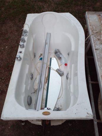 Продам ванную джакузи
