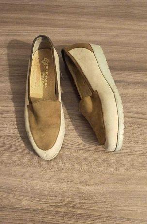 Срочно! Продам женскую обувь (слипоны)