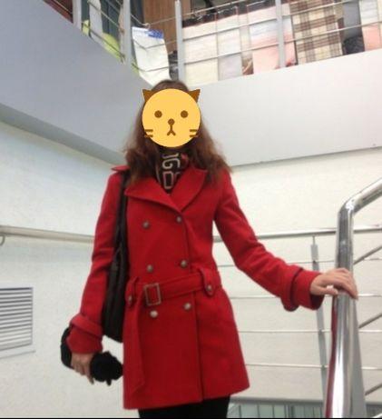 Продам пальто разм 42
