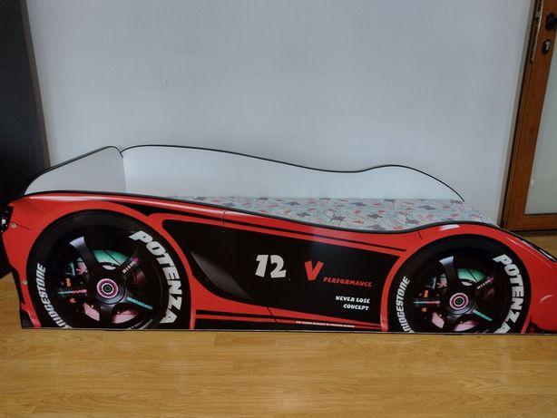 Vând pat mașinuță , pentru copii!