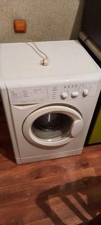 """Продается стиральная машинка марки """"Indesit"""""""