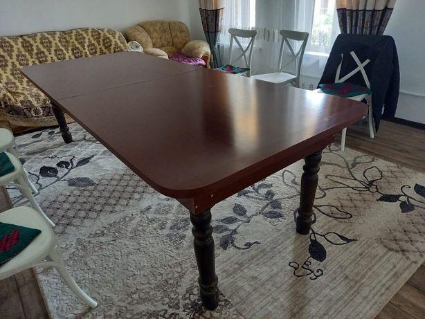 Стол гостинный