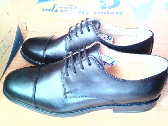 Нови Български Есенно и пролетни черни обувки номер 42