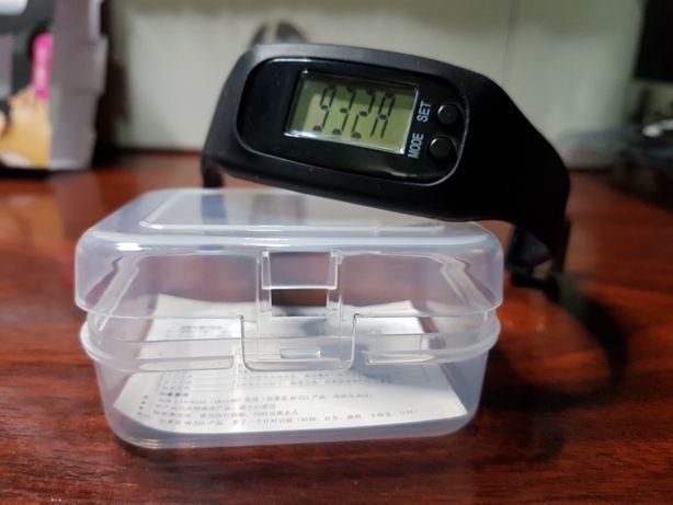 Curea/ceas fitness pt pasi,timp,distanta,calorii