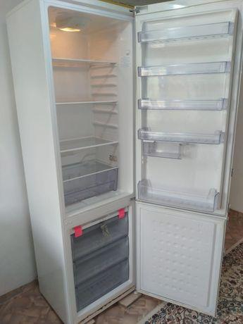 Холодилник сатылады