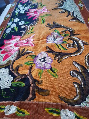 Covor artizanal traditional lucrat de mana zona munteniei