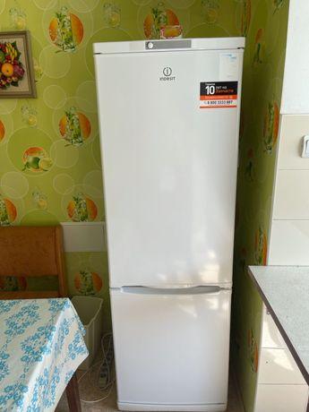 Срочно Продам Холодильник Indesit!!!