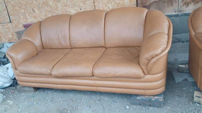 Продам 2 дивана в отличном состоянии из натуральной кожи