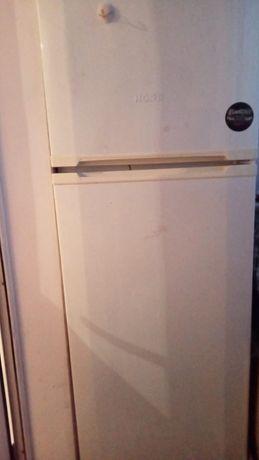 Продается холодильник в норм состоянии , 2 камерный