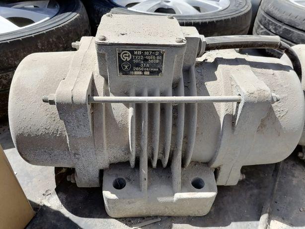Электродвигатели в количестве