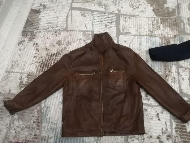 Продам кожаную куртку в отличном состоянии срочно