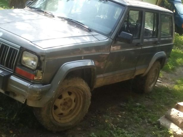Jeep cheroke 2100 piese