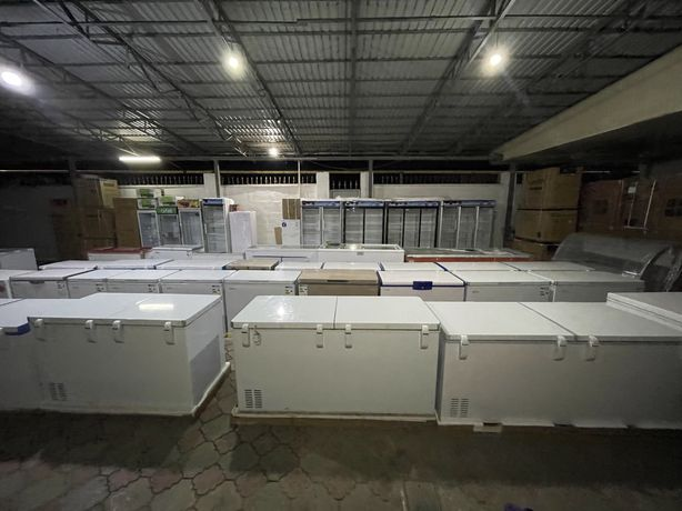 Витринные холодильники новые