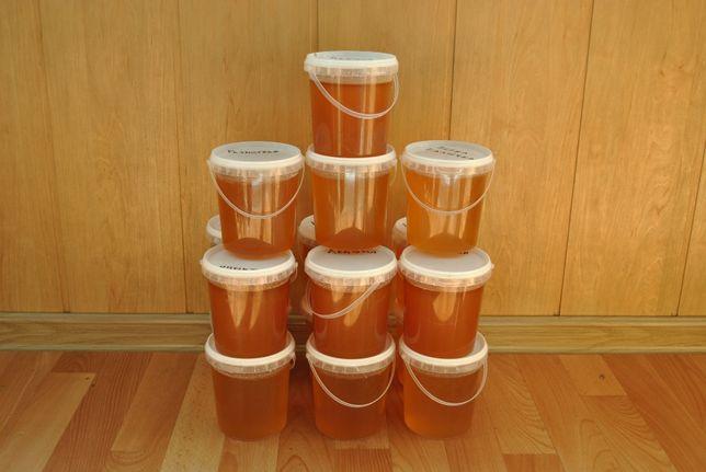 Свежий натуральный вкусный мёд
