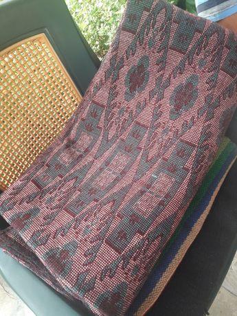 Жакардов килим