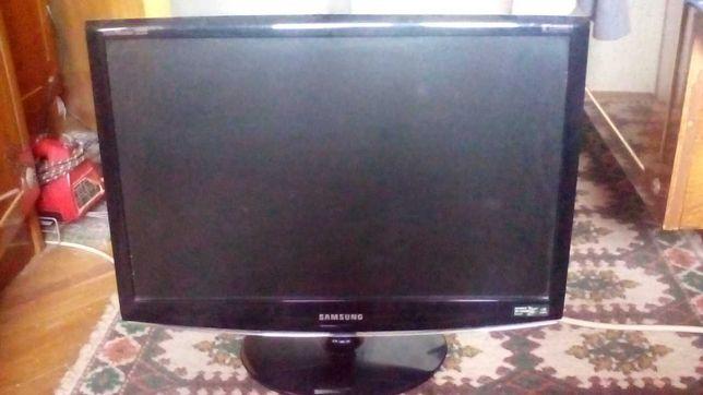 Monitor gaming 120Hz 22 inch Samsung 2233RZ 16:10 1680x1050