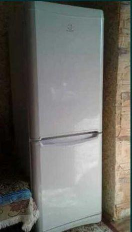 Очень срочно холодильник индезит