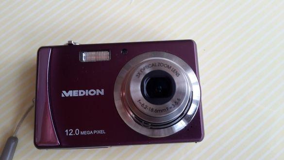 """Продавам фотоапарат """"Medion""""12.0 mega pixel-Germany-в отлично състоян"""