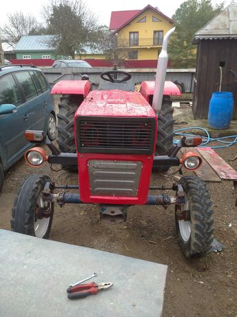 Tractor Universal 445,motor nou,cauciucuri bune 80%