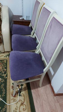 Стульясрочно продам стулья 10штук,,деревяное,,в связи с переездом