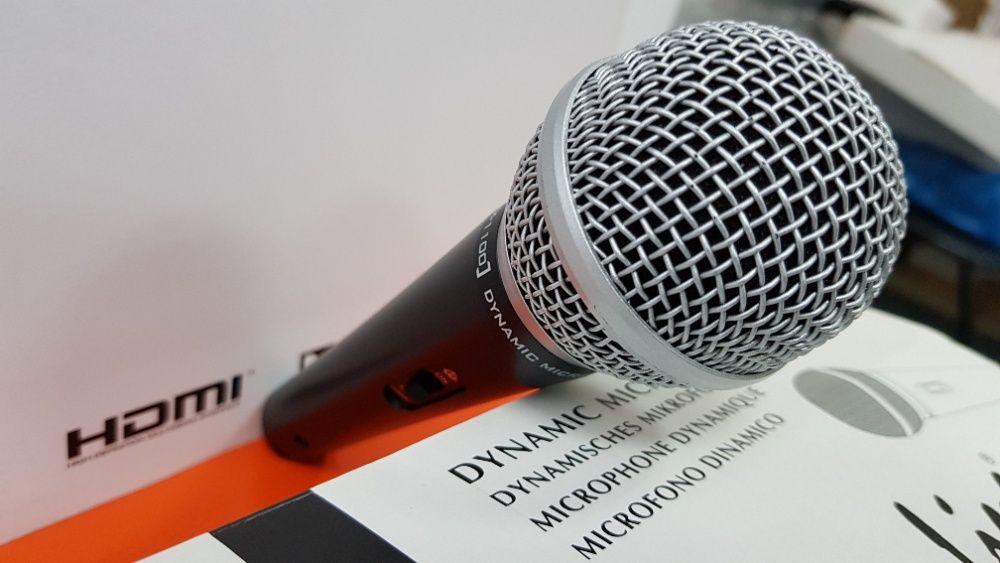 Microfon profesional dinamic Stage Line pentru Karaoke sau DJ