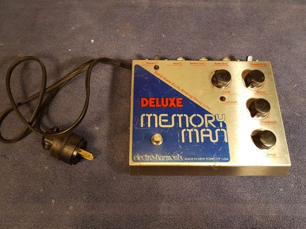 Pedala vintage '70s Electro-Harmonix Deluxe Memory Man blue