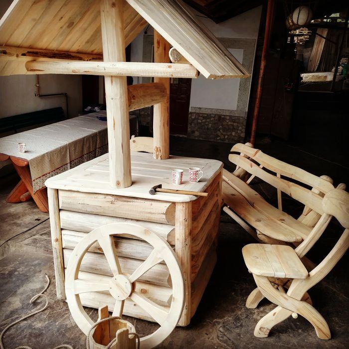 Fantana rustica decorativa din lemn (**CASA PADURARULUI**) Pitesti - imagine 1