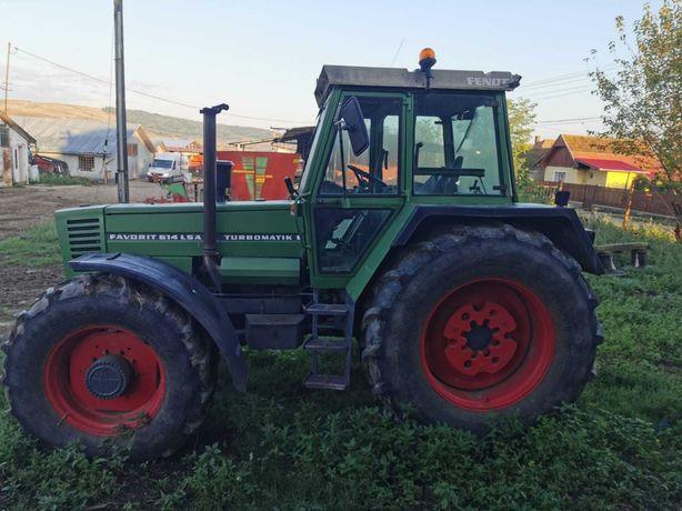 Vând tractor Fendt