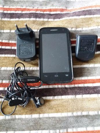 Мобилни телефони - някой работещи, но като цяло са за части.