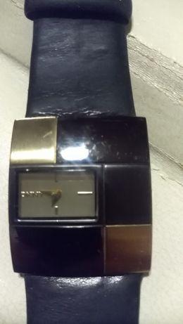 Дамски часовник DKNY
