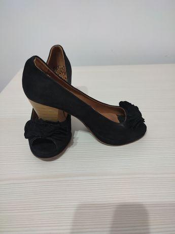 Pantofi decupati in fata!