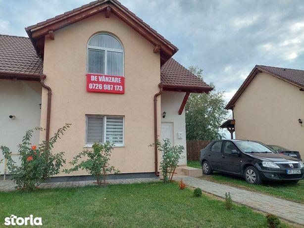 Proprietar vând casa tip duplex în Via Carmina, Vladimirescu
