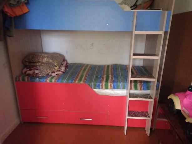 СРОСНО!Двухярусная кровать