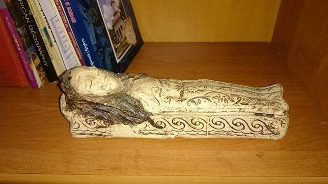 """Statuetă ceramică """"Frumoasa adormită"""""""