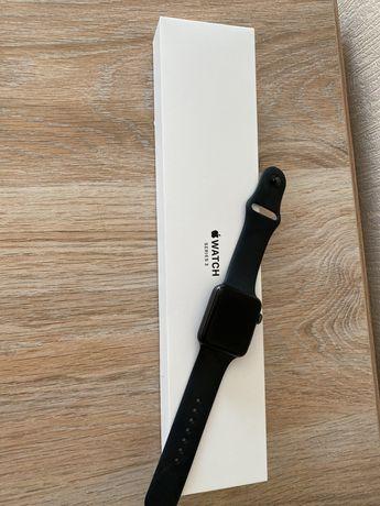 Продам Apple Watch 3 в идеале