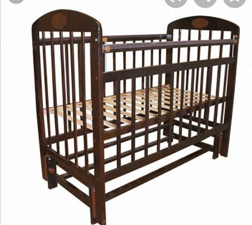 Продам детскую кроватку с артопедическим матрасом в хорошем состояний